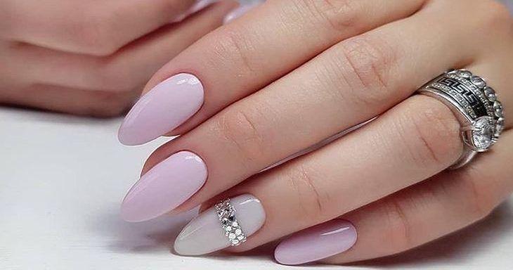 украшение на ногтях