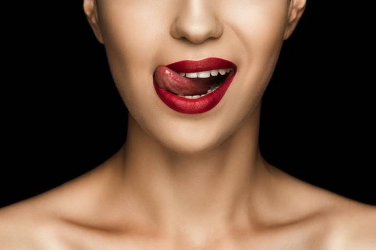 Облизывание губ