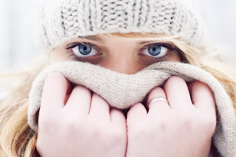 Прикрывайте лицо шарфом