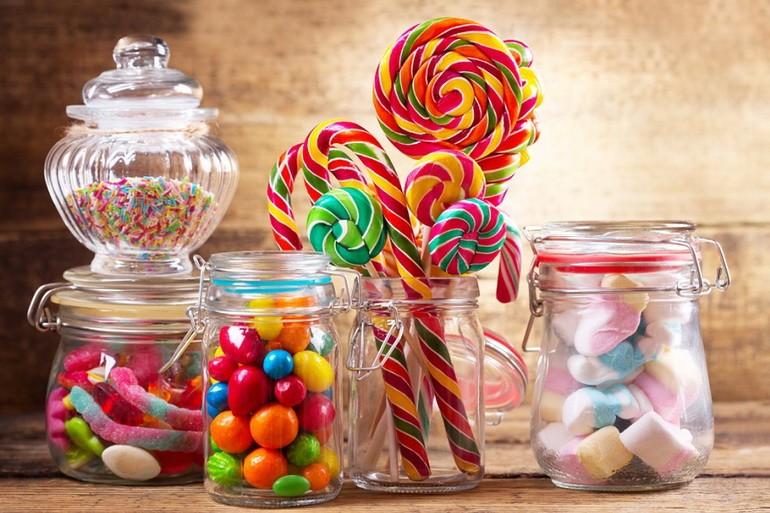 Конфеты, жвачки и фруктовый лед