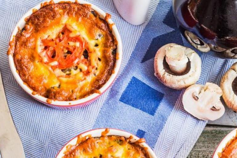 Жульен с томатами, грибами и белым вином